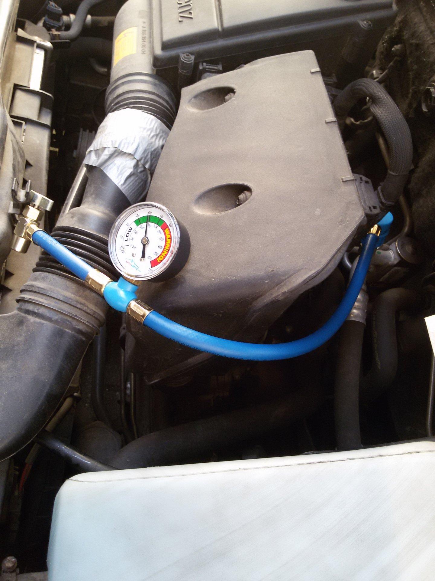 Klimaanlage W168, A160: Reaktivierung durch Kältemittel nachfüllen ...