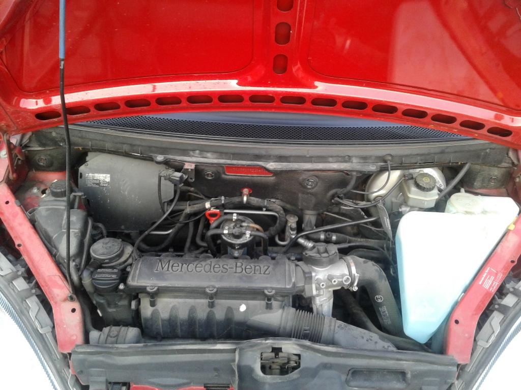 Mercedes_A_Motorraum_Diesel.jpg